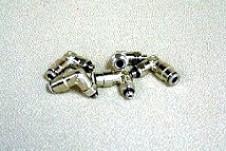 5-32 Zoll Tube x 10-32 Thread 90 Deg. Fitting
